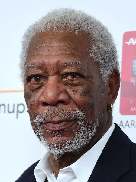 6.fev.2017 - O ator Morgan Freeman chega para o 16º AARP em Beverly Hills - Frederic J. Brown/AFP