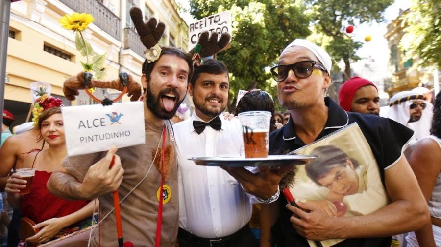 Alce, Garçom e Faxineira Apaixonada por Wando: três foliões que já viraram patrimônio do carnaval de rua carioca - Marcelo de Jesus/UOL