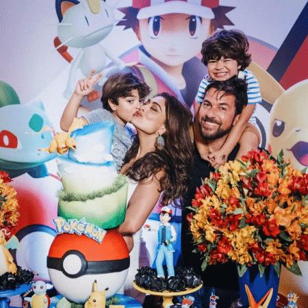 Juliana Paes e o marido, Carlos Eduardo Baptista, com os filhos, Pedro e Antonio - Reprodução/Instagram/julianapaes