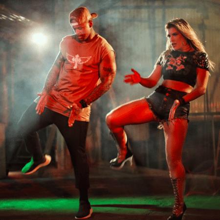 Lorena Improta e Léo Santana dançam coreografia especial feita pela dançarina para a música do noivo - Divulgação/Sérgio Mota