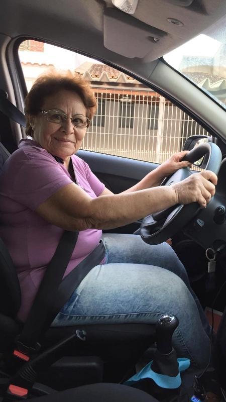 Agostinha Vidal tirou a habilitação para dirigir aos 75 anos - Arquivo pessoal