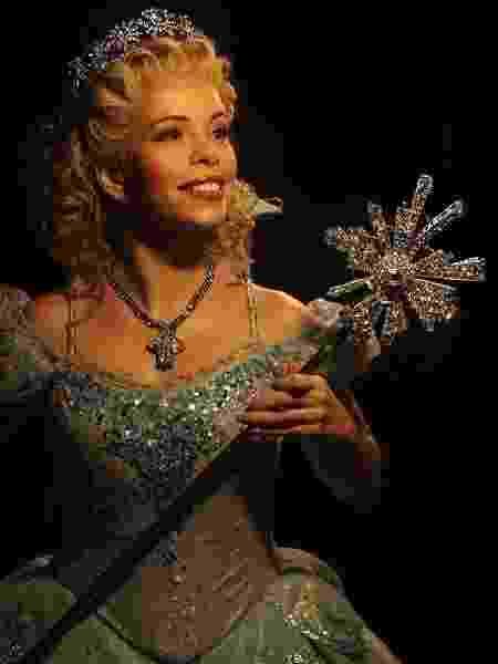 Glinda de Wicked - Reprodução/Facebook - Reprodução/Facebook