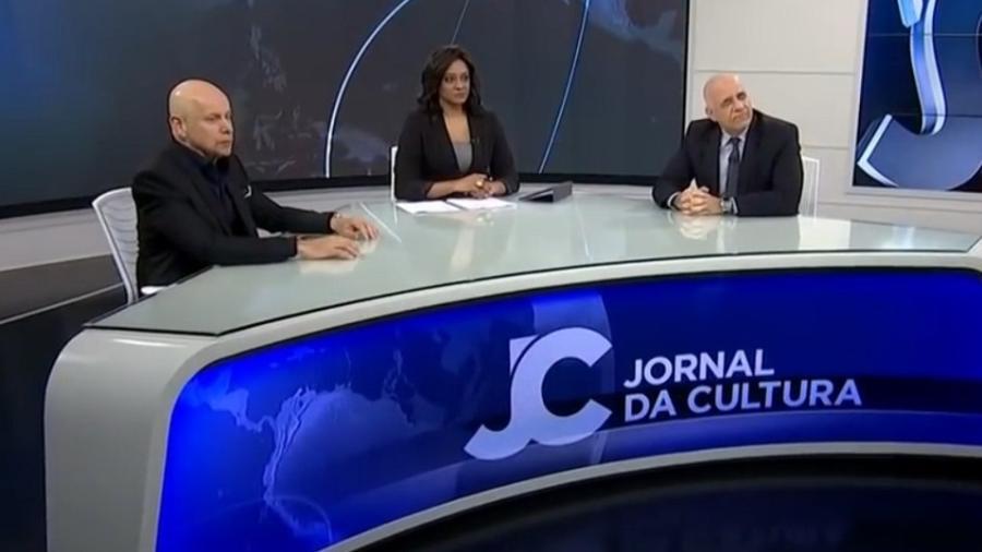 """O historiador Leandro Karnal, a apresentadora Joyce Ribeiro e o sociólogo Jessé de Souza no """"Jornal da Cultura"""" - Reprodução/TV Cultura"""