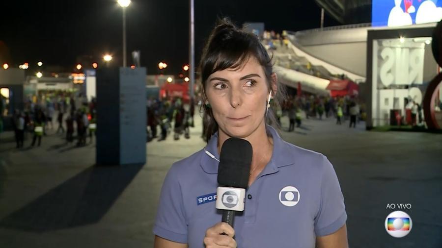 A repórter Glenda Kozlowski chora ao vivo na Globo após a eliminação do Brasil na Copa do Mundo - Reprodução/TV Globo