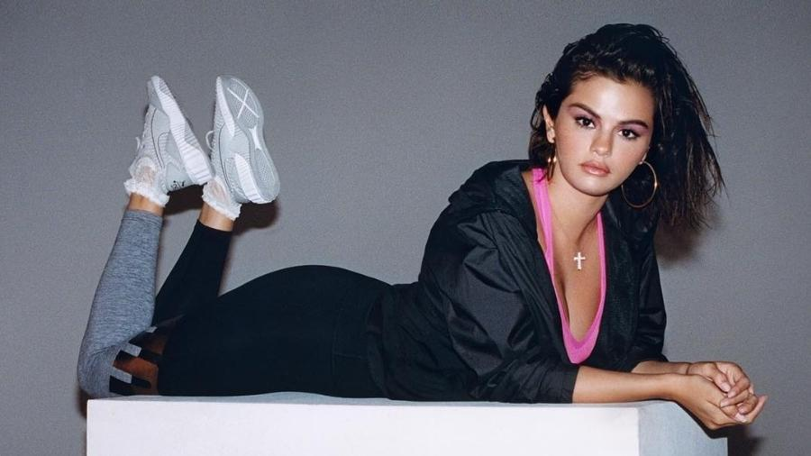8fb82c64f7 Tênis assinado por Selena Gomez está disponível no Brasil por R  500 ...