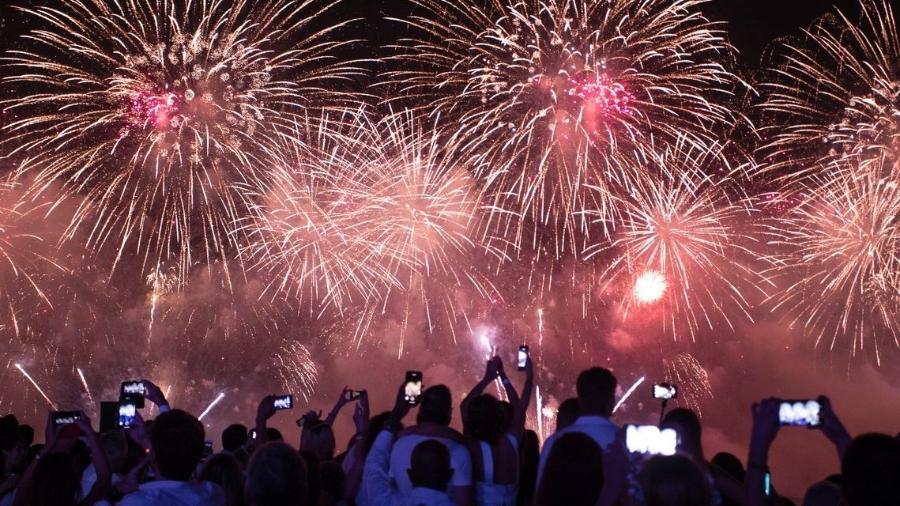 Fogos em Copacabana, durante a virada do Ano Novo - Gabriel Monteiro/SECOM