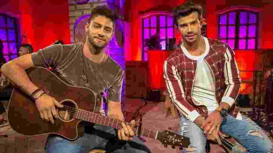 A dupla Munhoz e Mariano irão realizar uma live especial de quarentena hoje (26) - Reprodução/Facebook - Munhoz e Mariano