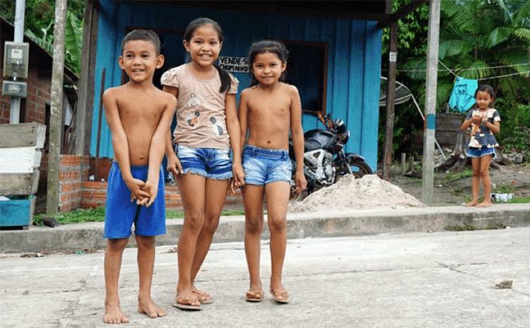 Crianças na vila de Muirapinima - Thaís Borges - Thaís Borges
