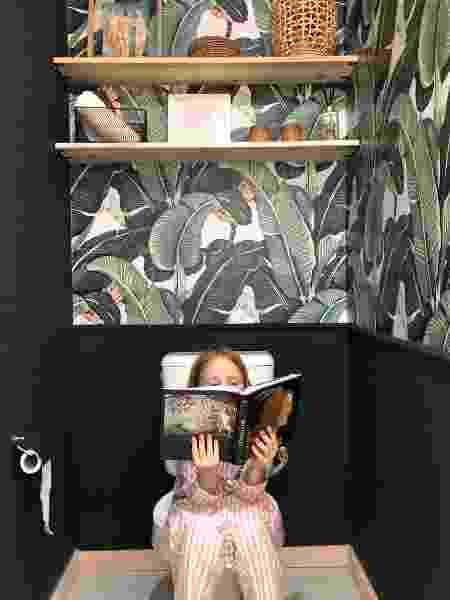 Banheiro ganhou papel de parede com plantas - Arquivo Pessoal - Arquivo Pessoal