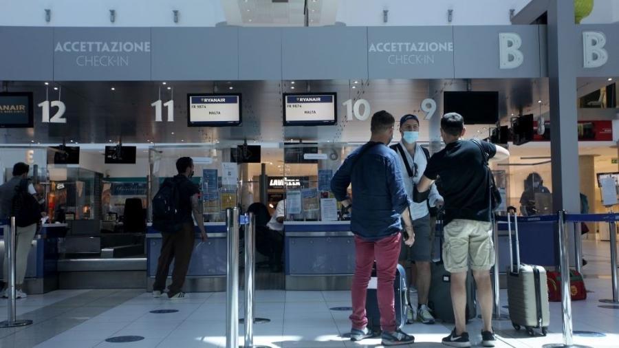A necessidade de quarentena para viajantes do Reino Unido havia sido revogada em meados de maio - Donato Fasano/Getty Images