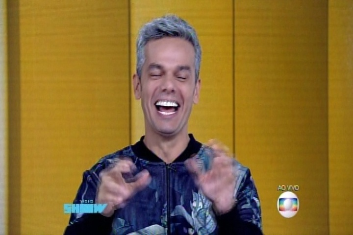 Otaviano Costa imita Silvio Santos na bancada do