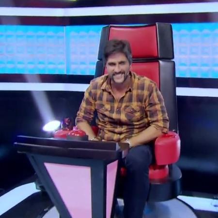 """Léo Chaves aparece sozinho no """"The Voice Kids"""" - Reprodução/Globo"""