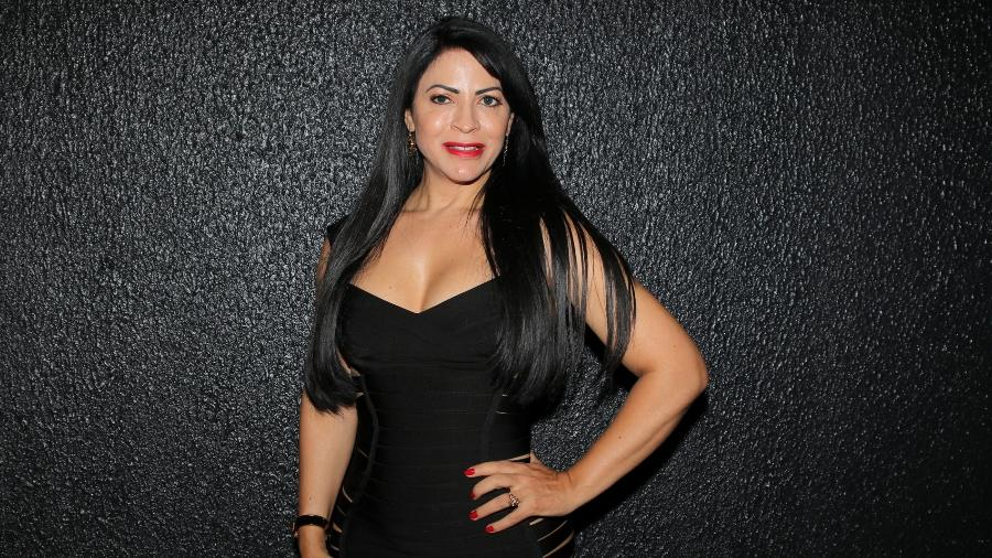 Sylvia Design escolhe vestido preto decotado para curtir show de Luis Fonsi em São Paulo - Thiago Duran/AgNews
