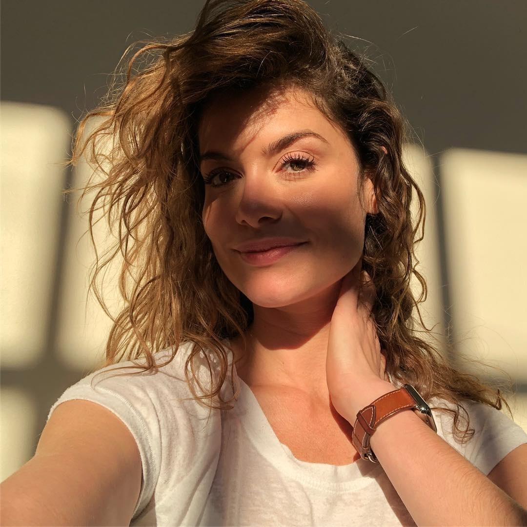 Alinne Moraes Sex alinne moraes posa sem make; veja outras famosas que