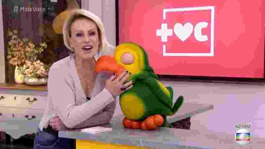Nesta segunda-feira (6), Ana Maria Braga e Louro José se divertem com rumores de suposta briga - Reprodução/Globo
