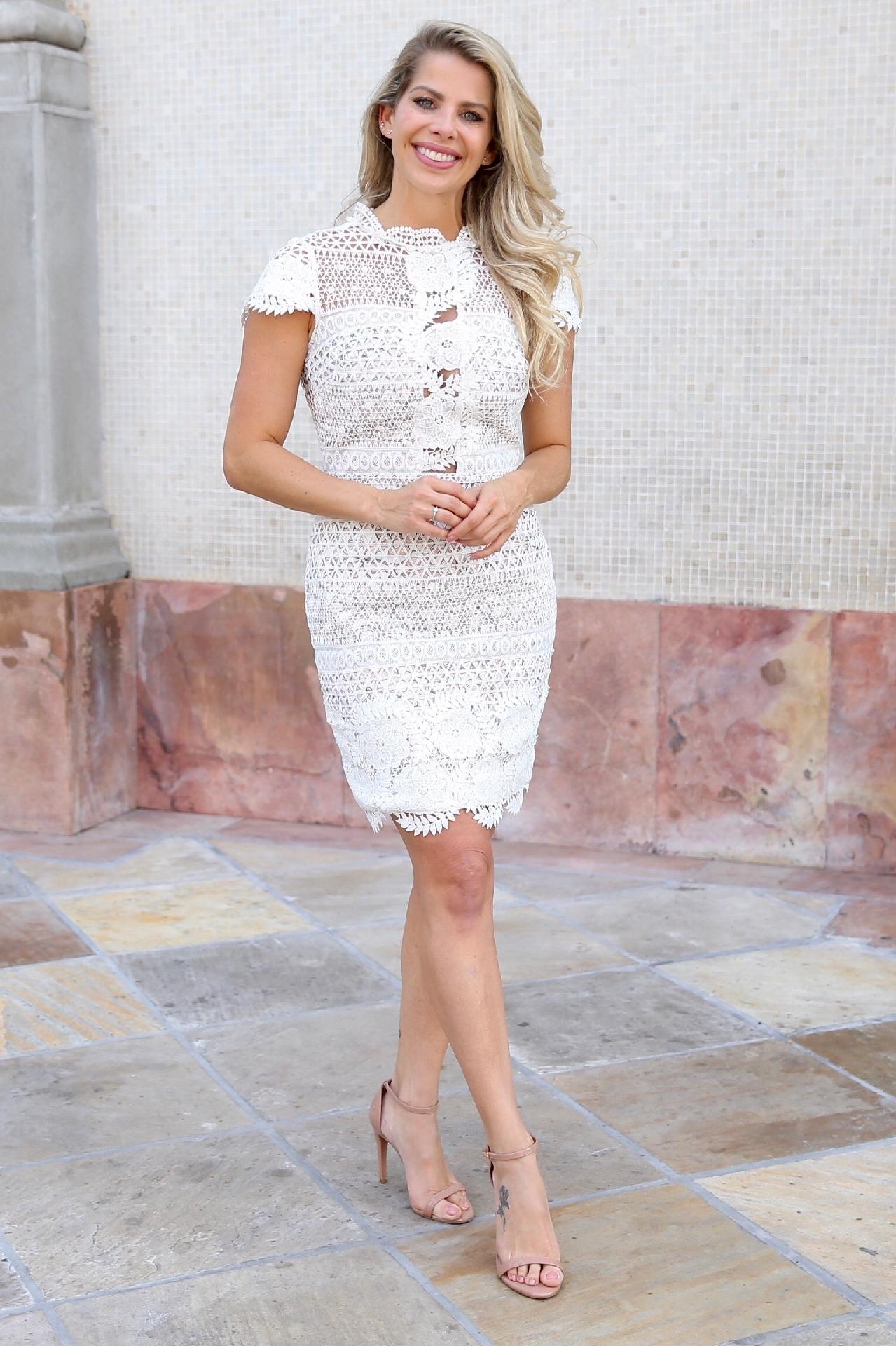 9d62960db Vestido de renda branca é escolha de Karina Bacchi; repita por R$ 438 -  23/08/2018 - UOL Universa