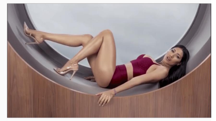 Simaria posa de lingerie e conta qual cor usará na virada do ano - Reprodução/Instagram