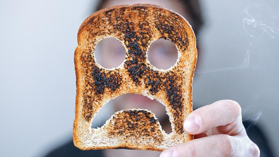 O carboidrato queimado é exposto a substâncias com potencial cancerígeno - iStock