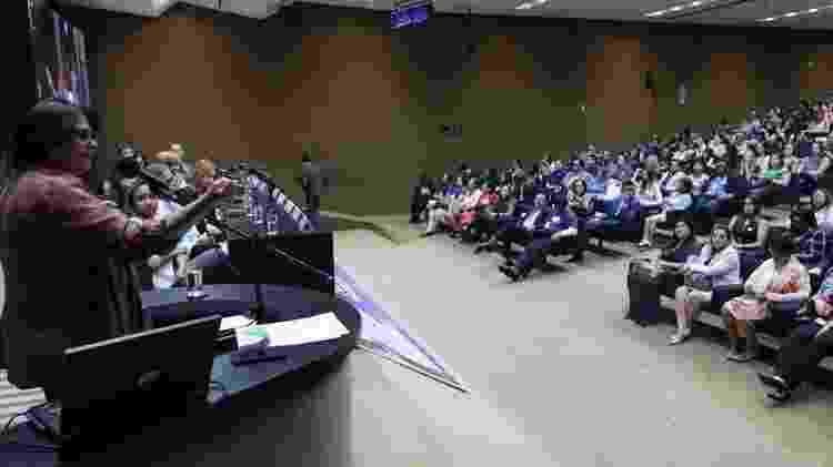 A ministra da Mulher, Família e Direitos Humanos, Damares Alves, participa do seminário Cruzada da Adoção - Fabio Rodrigues Pozzebom/Agência Brasil - Fabio Rodrigues Pozzebom/Agência Brasil