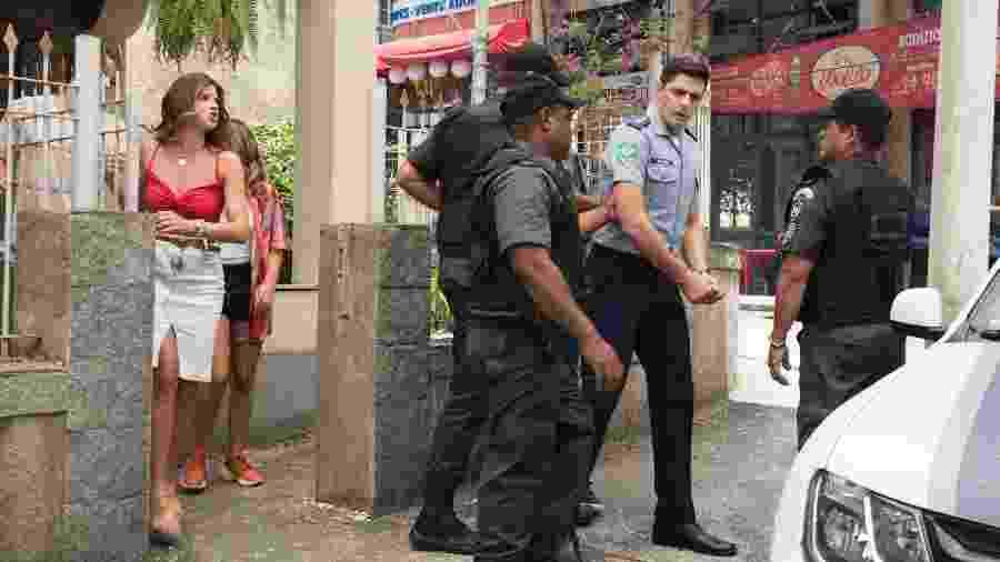 Marco é preso e Carla e Thiago se desesperam - Globo/Camilla Maia