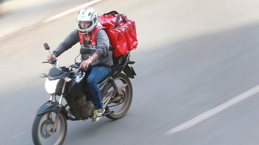 Motoboys burlam aplicativos de delivery ao informar que estão de bicicleta; tática serve para obter corridas mais curtas, dizem - Marcello Casal Jr. / Agência Brasil