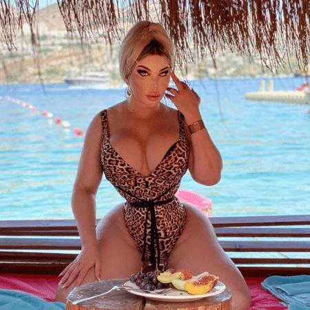 Jessica Alves está pronta para perder a virgindade - Reprodução/Instagram/@jessicaalvesuk