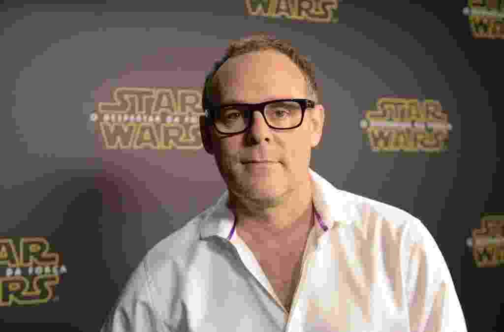 """5.dez.2015 - O produtor Bryan Burk, parceiro de J.J. Abrams, veio ao Brasil para falar de """"Star Wars: O Despertar da Força"""" na Comic Con Experience - Reprodução/Twitter/Reprodução"""