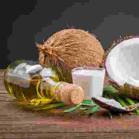 Óleo de coco não ajuda a emagrecer e faz tão mal à saúde quanto manteiga - Getty Images - Getty Images