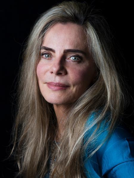 A atriz Bruna Lombardi em sua casa no bairro do Morumbi, em São Paulo (SP) - Lucas Lima/UOL