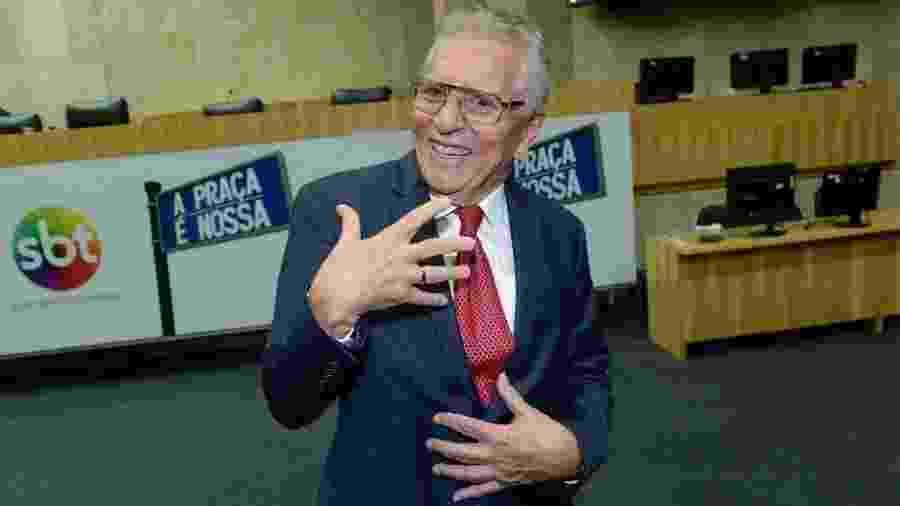 Carlos Alberto de Nóbrega exibe aliança de noivado - Francisco Cepeda/AgNews