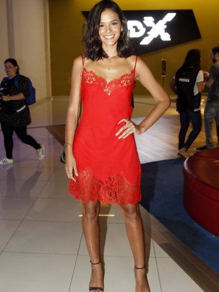 Bruna Marquezine com seu slip dress Givenchy - AgNews
