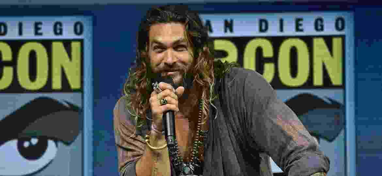 "Jason Momoa no painel de ""Aquaman"" na San Diego Comic-Con 2018 - Chris Delmas/AFP Photo"