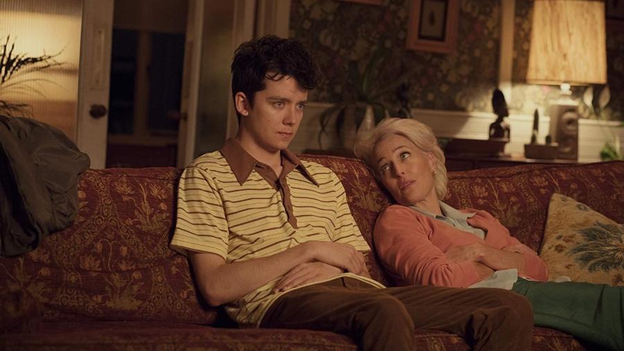 """Gillian Anderson e Asa Butterfield são mãe e filho em """"Sex Education"""" - Divulgação/IMDb"""