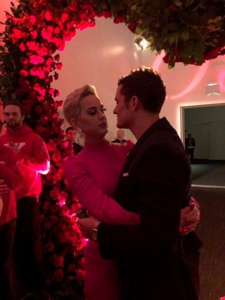 """Katy Perry e Orlando Bloom ficam noivos no Valentine""""s Day, o Dia dos Namorados nos Estados Unidos - Reprodução/Facebook"""
