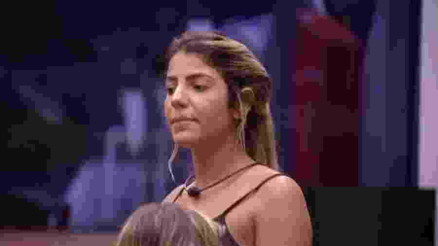 Hariany reclama da postura de Tereza - Reprodução/Globoplay