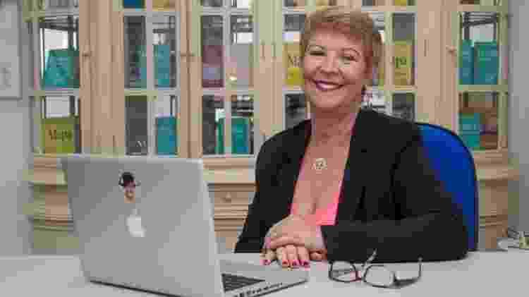 Ex-bancária concursada, Heloísa largou o emprego para dar treinamentos e escrever livros sobre autoconhecimento - Julio Vilela