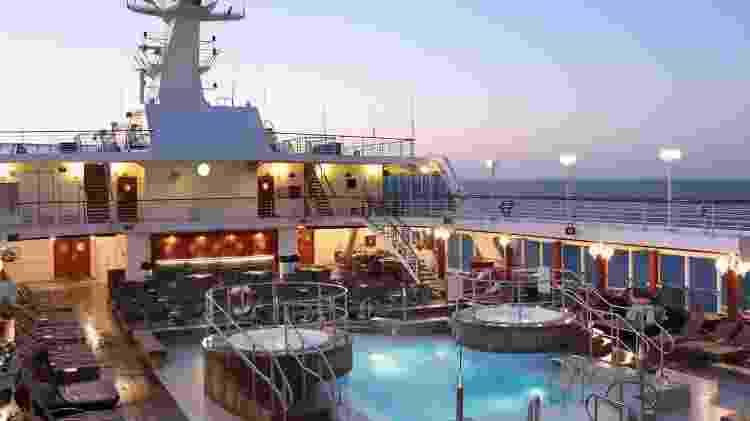 Área da piscina do navio com o qual será realizado o Red Carpet Cruise - Divulgação/Desire Red Carpet Cruise