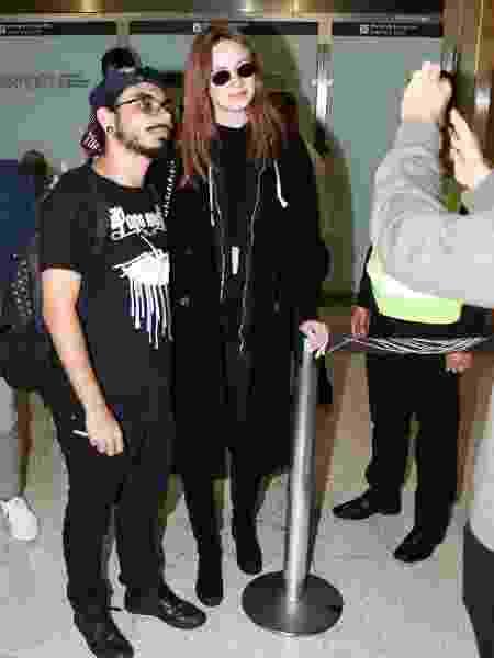 Karen Gillan fã aeroporto SP - Lucas Ramos / AgNews - Lucas Ramos / AgNews