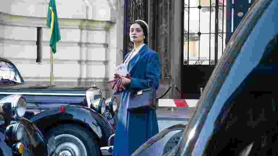 """Sophie Charlotte em cena de """"O Anjo de Hamburgo"""" gravada em Buenos Aires - TV Globo"""