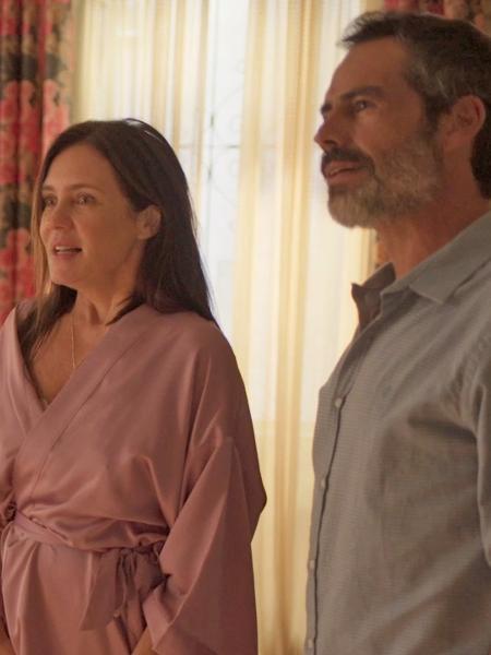 """Adriana Esteves em cena com Filipe Duarte em """"Amor de Mãe"""" - Reprodução"""
