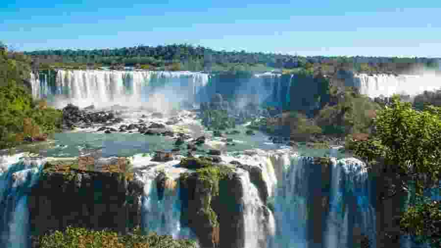 Cataratas do Iguaçu, uma das maiores cachoeiras do mundo, localizada no Paraná - Getty Images/iStockphotos