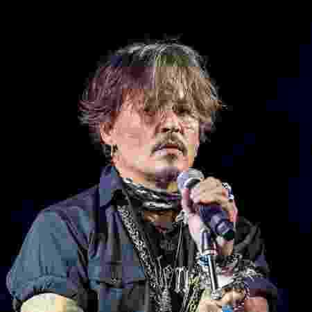 Johnny Depp e Jeff Beck apresentaram a música pela primeira vez em setembro do ano passado - Getty Images