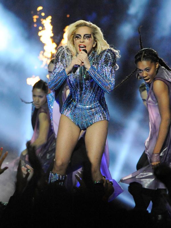 """Em setembro de 2017, Lady Gaga cancelou show no Rock in Rio e """"devastou"""" uma nação de fãs"""