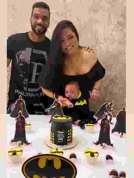 """Mulher Melancia e Michel Macedo celebraram o """"mesversário"""" de Arthur - Reprodução/Instagram"""