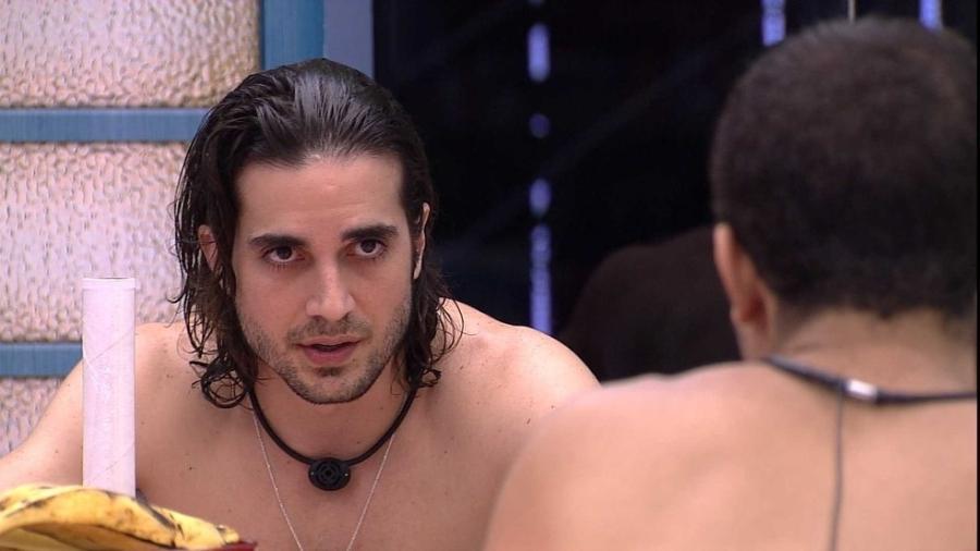BBB 21: Fiuk desabafa com Gil na cozinha da xepa - Reprodução/Globoplay