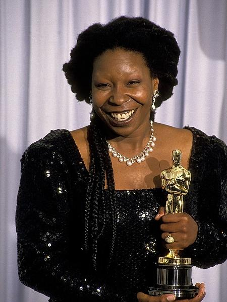 """Whoopi Goldberg venceu o Oscar de Melhor Atriz Coadjuvante por """"Ghost"""" em 1991 - Getty Images"""