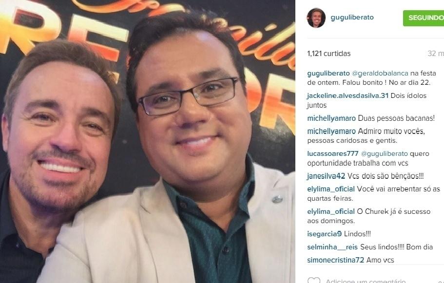 15.dez.2015 - Gugu Liberato faz selfie com Geraldo Luís na gravação do especial de final de ano