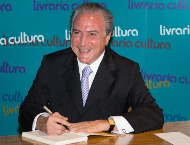 Temer durante o lançamento de seu livro de poesias, em São Paulo, em janeiro de 2013