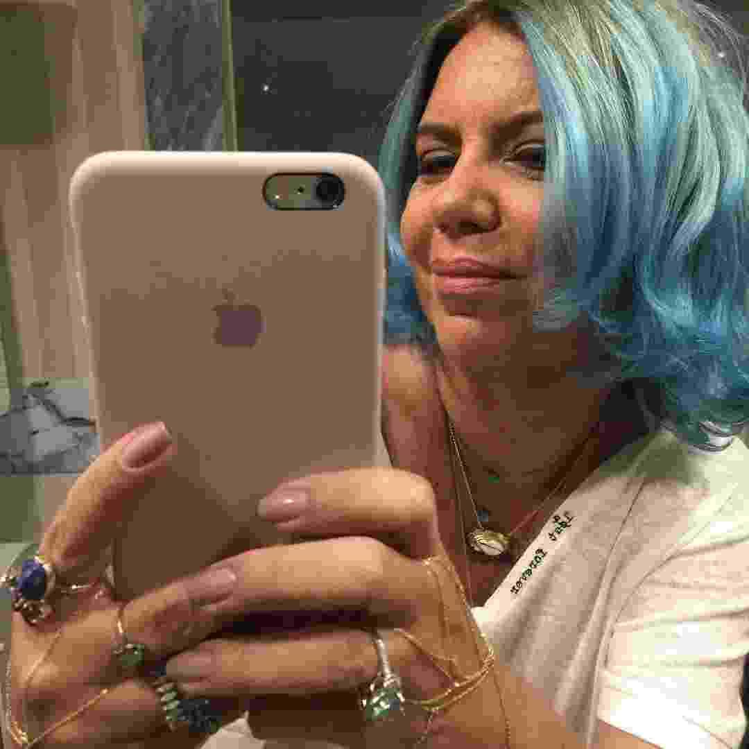 Astrid Fontenelle com cabelo azul - Reprodução/Instagram