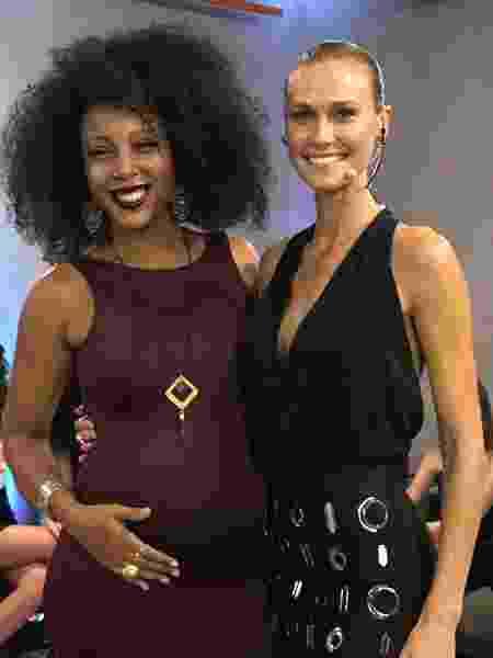 A cantora Negra Li marcou presença na gravação do ?Conexão Models?, na Rede TV!, onde falou sobre a gravidez - Divulgação - Divulgação